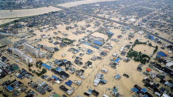 東海豪雨の際の庄内川氾濫の様子