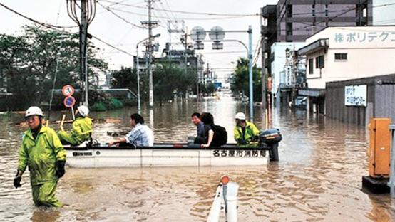 東海豪雨により決壊した庄内川により街に川の水が流れ込んだ